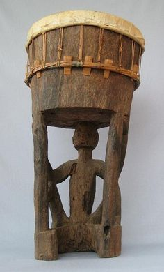 VCM   Drum Southeast Moluccas Size: T 80 cm, L.B. 130 cm Collection: Museum Siwalima Museum Siwalima, Ambon Cat. no. 0162