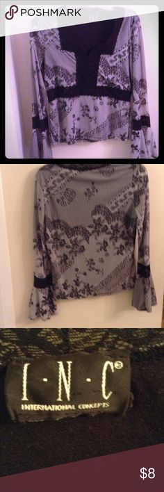 International concepts blouse Cute long sleeve floral top International concepts Tops Blouses