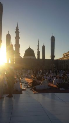 روضة و قبر الرسول محمد عليه الصلاة و السلام / المسجد النبوي / المدينة المنورة