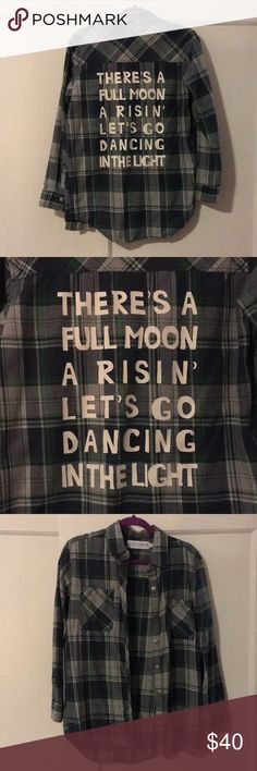 "The back says ""There s A Full Moon A Risin   ed32a8970a3d9"