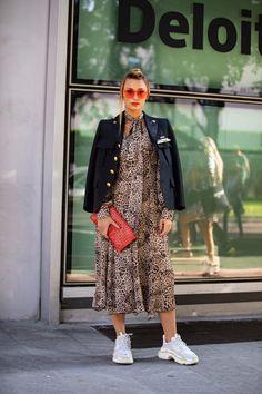 c38f30d39 A Certain Celine Necklace Kept Popping Up During Milan Fashion Week. Estilo  De Rua Primavera ...