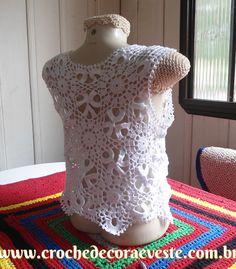 Passo a passo da blusa top branca de squares.         Essa foi a foto enviada pela cliente, não encontrei gráfico pra ela, tive que fazer n...