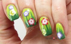 Green Spring Nails for Mottomonat #3 In Bloom!
