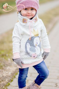 LitSleeves is a hoodie for boys and girls that offers many variations, in … - Kindermode Sewing Men, Baby Sewing, Sewing Clothes, Sewing Projects For Kids, Sewing For Kids, Little Girl Fashion, Kids Fashion, Cute Baby Clothes, Baby Dress