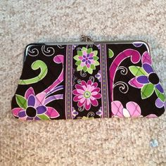 DONATING END OD MONTH/ NWT Vera Bradley Wallet Brand New, Never Used. $20 ON WEBSITE Vera Bradley Bags Wallets