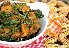 10 Creative Ideas to Stir-Fry and Sauté Spinach. Vegan recipes included.