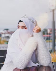 👍👍👍 Some people's are fraudi because they destroy the life of others and they choose boys for timpass one after another. Its true the secnd one is also gone Cute Muslim Couples, Muslim Girls, Niqab Fashion, Muslim Fashion, Hijabi Girl, Girl Hijab, Hijab Bride, Beautiful Muslim Women, Beautiful Hijab