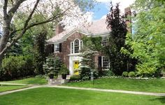 18 Thornwood Rd, Toronto, ON