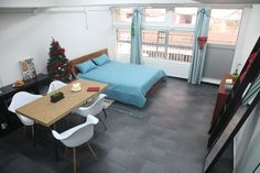 Lovely queen bed studio - Apartments for Rent in Hong Kong - Get $25 credit with Airbnb if you sign up with this link http://www.airbnb.com/c/groberts22