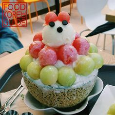 Melon and Watermelon Bingsu (메론수박빙수) from Nature Fruit Cafe (열매가맛있다) in Seoul. More Information found in the No.1 food guide in Korea, Food Korea Guide.