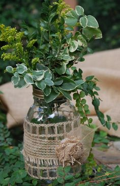 Decorative burlap mason jars