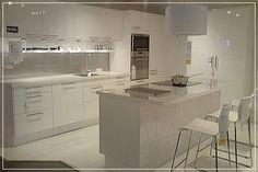 Kuvahaun tulos haulle saareke pöytä Ikea, Kitchen Island, Table, Whistler, Furniture, Kitchen Ideas, Kitchens, Home Decor, Sweet