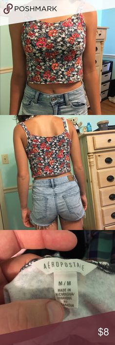 Floral crop top Super cute and comfortable crop top that is perfect for summer. Bright pattern and cool clothing for the hot weather Aeropostale Tops Crop Tops