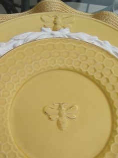 Bee plates with honeycomb edges & Bumble Bee Kitchen Decor | Four Bumble Bee Salad Plates traditional ...