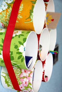 DIY Röhrenregal / was eigenes Blog/ Bebilderte Anleitung wie man aus PVC Röhren, einem Spanngurt, Kleber / Stylefix und Stoff ein Röhrenregal selber machen kann.
