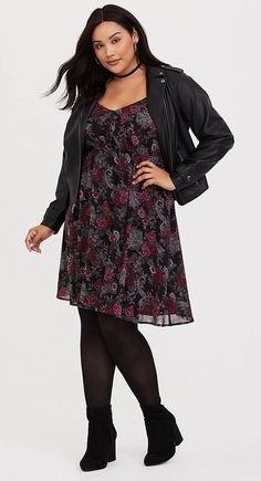 Plus Size Chiffon Skater Dress - Plus Size Fashion for Women Plus Size Fashion For Women, Black Women Fashion, Womens Fashion, Curvy Outfits, Girl Outfits, Curvy Clothes, Plus Size Dresses, Plus Size Outfits, Black Cold Shoulder Dress