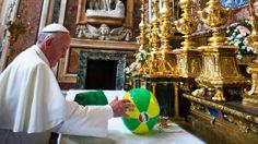 03/01/2014 --Papa doa R$ 11,7 milhões para reduzir dívida da JMJ - Brasil - Notícia - http://veja.abril.com.br/noticia/brasil/papa-doa-r-117-milhoes-para-reduzir-divida-da-jmj