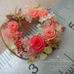 このタイミングでパソコン死ぬとかほんと鬼…(。・・。)←ひとりごと #miniature #mini #flower #art #clay #rose #handmade #kawaii #dollhouse #wreathe #artist #clayflower #instagood #webstagram #antique_r_us #樹脂粘土 #クレイフラワー #ミニチュア #花 #花束 #フラワーアート #ドールハウス #フラワーリース #フラワーアレンジ #バラ #薔薇 #アンティーク #ハンドメイド #ドライフラワー