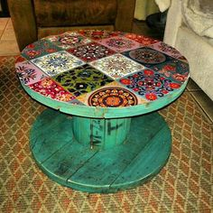 DIY furniture You are in the right place about wooden reel table wedding Here we offer you the most beautiful pictures about the wooden reel table dining rooms you are looking for. When you examine th Wooden Spool Tables, Cable Spool Tables, Wooden Cable Spools, Wooden Spool Crafts, Spool Chair, Wood Spool, Furniture Projects, Diy Furniture, Cable Reel Table