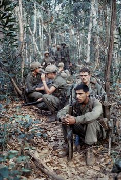 Infantry Division Resting during an all day patrol. Taken in South Vietnam (Image Vietnam History, Vietnam War Photos, American War, American Soldiers, American Stock, 4th Infantry Division, Vietnam Veterans, Vietnam Protests, Military Veterans