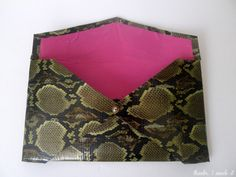 Duct Tape Envelope Clutch http://www.thanksimadeitblog.com/2013/07/diy-duct-tape-clutch.html