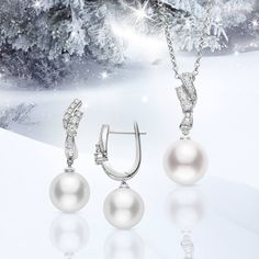 #Mikimoto's Classic Collection combines lusterous pearls and dazzling diamonds for that holiday sparkle. #GiftOfALifetime