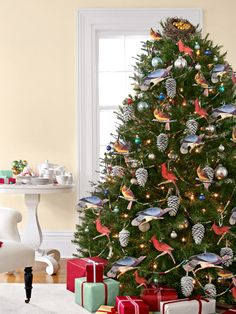 11 Christmas Tree Toppers - Unique Ideas for Tree Toppers - Country Living