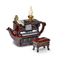 teapot old piano