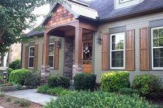 Exterior house porch ideas with stone columns (74)