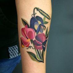 #sweetpeas #vintageflowers #watercolortattoo #sashaunisex #vladbladirons #vbiproteam