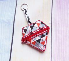 Purse InTheHoop Diamond shaped 4x4  https://www.etsy.com/listing/519618481/diamond-purse-in-the-hoop-machine