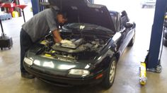 Oil change on a Mazda Miata #Mazda #Miata #oilchange