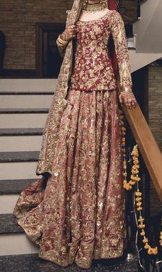 Pakistani Fancy Dresses, Pakistani Wedding Outfits, Indian Bridal Outfits, Pakistani Bridal Dresses, Pakistani Dress Design, Latest Bridal Dresses, Asian Bridal Dresses, Wedding Dresses For Girls, Red Lehenga