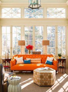 Un montón de inspiración para que combinar ese sofá naranja que has heredado o te has comprado luzca como se merece en tu salón ¡y hasta en la cocina!.