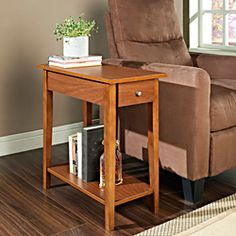 Merveilleux Walnut Finish Wood Chair Side End Table With Drawer