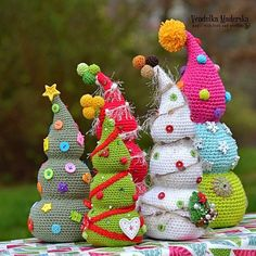 Crochet Patterns Christmas Crochet Christmas tree by VendulkaM Crochet Christmas Decorations, Crochet Christmas Trees, Crochet Ornaments, Christmas Crochet Patterns, Holiday Crochet, Diy Christmas Tree, Christmas Knitting, Crochet Gifts, Christmas Projects