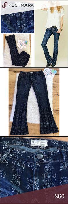Free People boho lotus print jean Free People boho lotus print jean.  Size 29 Free People Jeans Flare & Wide Leg
