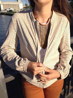 Blog de moda / Fashion blog. Chaqueta troquelada - collar cadenas / Punched jacket - chains necklace