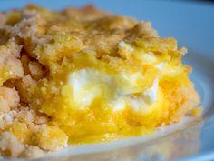 4-Ingredient Lemon Cream Cheese Dump Cake – Live Play Eat Lemon Desserts, Lemon Recipes, Just Desserts, Delicious Desserts, Yummy Food, Homemade Desserts, Easy Recipes, Cooking Recipes, Diabetic Desserts