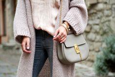 outfit-hallhuber-cardigan-topshop-jeans-chloe-drew-bag-grey