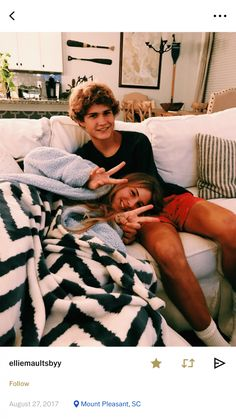 60 Sweet And Dreamy Teen Couples For Your Endless Romance - Page 14 of 60 - Chic Hostess - Real Time - Diet, Exercise, Fitness, Finance You for Healthy articles ideas Cute Couples Photos, Teen Couples, Cute Couple Pictures, Cute Couples Goals, Cute Photos, Couple Pics, Couple Things, Couple Shoot, Wanting A Boyfriend