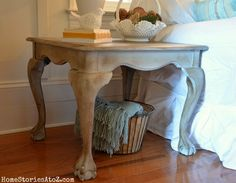 I really want to try chalk paint one of these days. Love this table from @Beth J Hunter @HomeStoriesA2Z