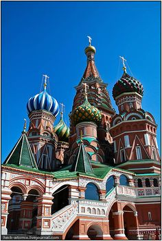 I have an odd obsession with Russia. Russian Architecture, Historical Architecture, Vladimir Putin, The Places Youll Go, Places To Go, Russia Pictures, World Largest Country, Memories With Friends, Largest Countries