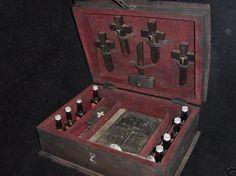 Vampire-Hunters-Kits-08.jpg