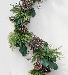 Bring a touch of the outdoors in with our north ridge pine and magnolia leaf garland. Shop today.