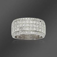 tw princesscut and round diamond band ring in 18kt white gold