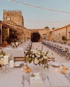 Wedding Goals, Wedding Planning, Dream Wedding, Wedding Day, Beautiful Wedding Venues, Wedding Dinner, Wedding Sets, Wedding Things, Wedding Table