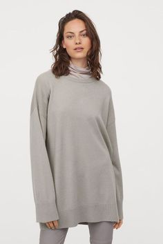 The 9 Best Clothing Styles for Petite Women | Who What Wear UK Casual Work Wear, Cool Outfits, Fashion Outfits, H&m Women, Petite Outfits, Petite Women, Curvy Fashion, Cashmere Sweaters, Shirts For Girls