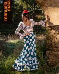 Colección 2019 Manuela Macías Moda Flamenca Spanish Dancer, Halloween, Formal Dresses, Cactus, Fashion, Templates, Frases, Pattern Drafting, Flamenco Dresses