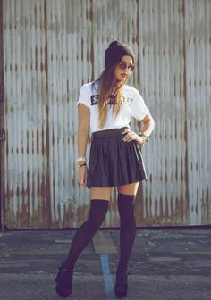 Cute beanie with a skater skirt / circle skirt & high knee socks are perfect for young hipster girls . #CUTEoutfit